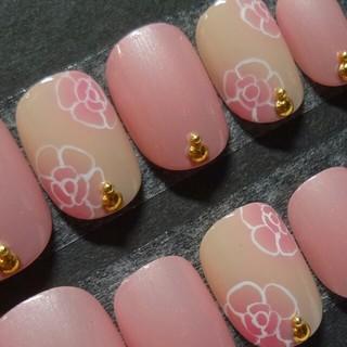 パールピンク×カメリアペイントネイル コスメ/美容のネイル(つけ爪/ネイルチップ)の商品写真