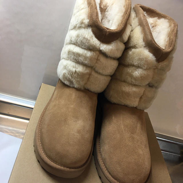 UGG(アグ)の新品 ugg アグ ブーツ タニア 6 23 レディースの靴/シューズ(ブーツ)の商品写真