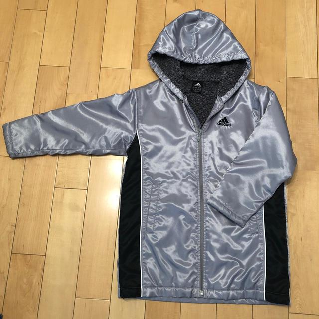 adidas(アディダス)のベンチコート☆130 キッズ/ベビー/マタニティのキッズ服男の子用(90cm~)(コート)の商品写真