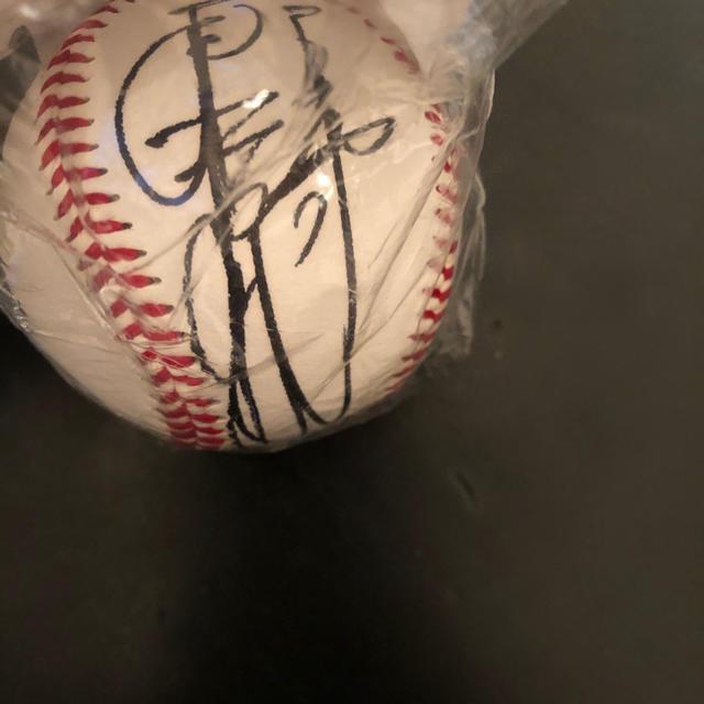 読売ジャイアンツ(ヨミウリジャイアンツ)の辰徳監督 専用 第二期 2006から2015年就任時 サインボール スポーツ/アウトドアの野球(記念品/関連グッズ)の商品写真