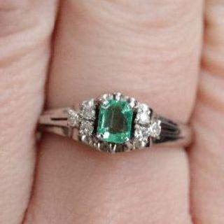 トクトクジュエリー エメラルド ダイヤモンド プラチナ 4g リング(リング(指輪))