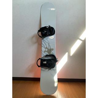 送料無料 スノーボード 板 140-150cmくらい ケース付き(ボード)