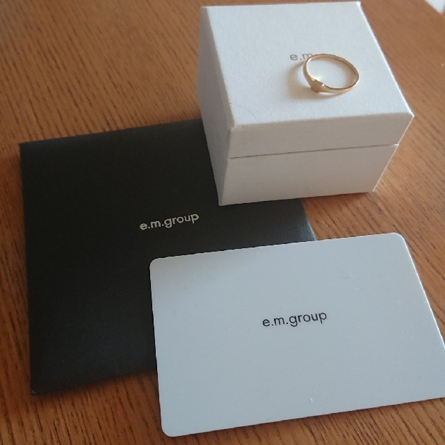e.m.(イーエム)のe.m. k18 ゴールド 印台リング 9号 レディースのアクセサリー(リング(指輪))の商品写真