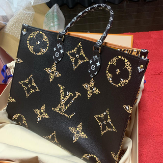 LOUIS VUITTON - ルイヴィトン オンザゴー 新品 正規品 ジャングル
