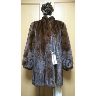 未使用180万!タグ付半額以下サガミンクSAGAMINKしなやかで美しいコート(毛皮/ファーコート)