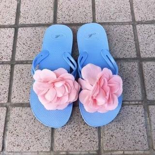 新品♡フラワービーチサンダル♡ブルーM♡ビキニ♡水着♡浴衣♡相性◎(サンダル)