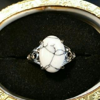 ◆29◆ホワイト アンティーク風なリング(リング(指輪))