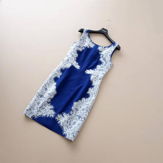 GRACE CONTINENTAL - ■ダイアグラム■ 34 ロイヤルブルー サイド刺繍 ワンピース