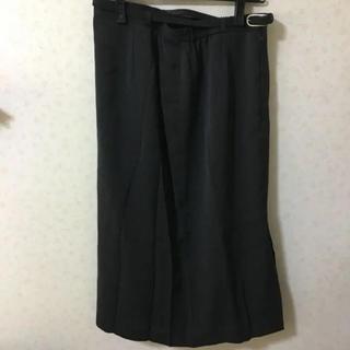 ベルト付き グレー スカート(ひざ丈スカート)