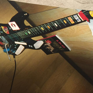 フェンダー(Fender)のhideカスタムギターとスコア(ポピュラー)