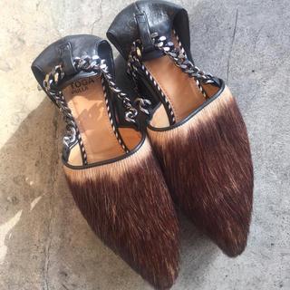 トーガ(TOGA)のtoga pulla チェーンストラップ ファーシューズ サンダル 靴(ローファー/革靴)