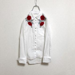 ザラ(ZARA)の【廃盤】ZARA 花柄 デザインシャツ レディース XS 白 ホワイト 古着(シャツ/ブラウス(長袖/七分))