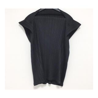 プリーツプリーズイッセイミヤケ(PLEATS PLEASE ISSEY MIYAKE)のイッセイミヤケ プリーツプリーズ トップス ブラック 黒 新品(カットソー(半袖/袖なし))