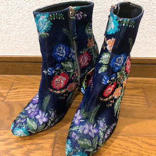 ZARA - ZARA ネイビー刺繍 ブーツ
