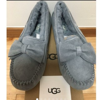 UGG - 【新品】UGG ダコタ スエードボウ(グレー:24〜25㎝)