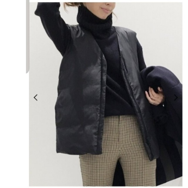 L'Appartement DEUXIEME CLASSE(アパルトモンドゥーズィエムクラス)のアパルトモン ナカワタベスト ネイビー レディースのジャケット/アウター(ダウンベスト)の商品写真