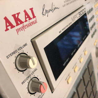 AKAI MPC3000(MIDIコントローラー)