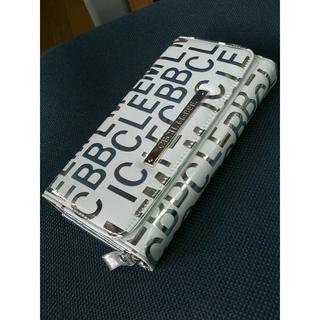 セシルマクビー(CECIL McBEE)のセシルマクビー・長財布(白地xシルバーロゴ)(財布)