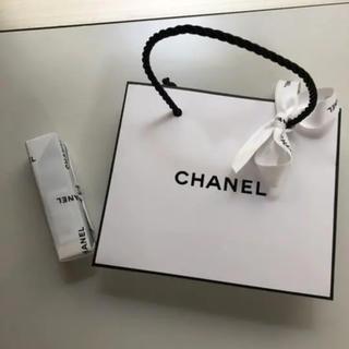 CHANEL - シャネル ボーム エサンシエル トランスパラン 8g