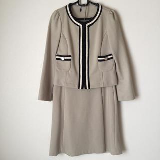 ナチュラルビューティーベーシック(NATURAL BEAUTY BASIC)のナチュラルビューティーベーシック スカートスーツ L 入学式 入園式 ノーカラー(スーツ)