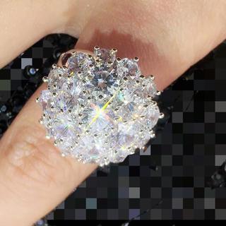 半円球で可愛い❤️スワロフスキーびっしり 虹色ファイヤー多発 ヴィンテージリング(リング(指輪))