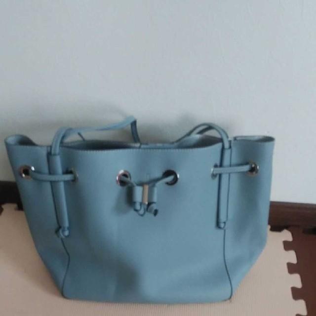 ZARA(ザラ)のZARA TRF バケットバッグ レディースのバッグ(ショルダーバッグ)の商品写真