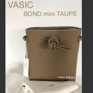 トゥモローランド(TOMORROWLAND)の新品 VASIC BOND mini TAUPE トープ(ハンドバッグ)