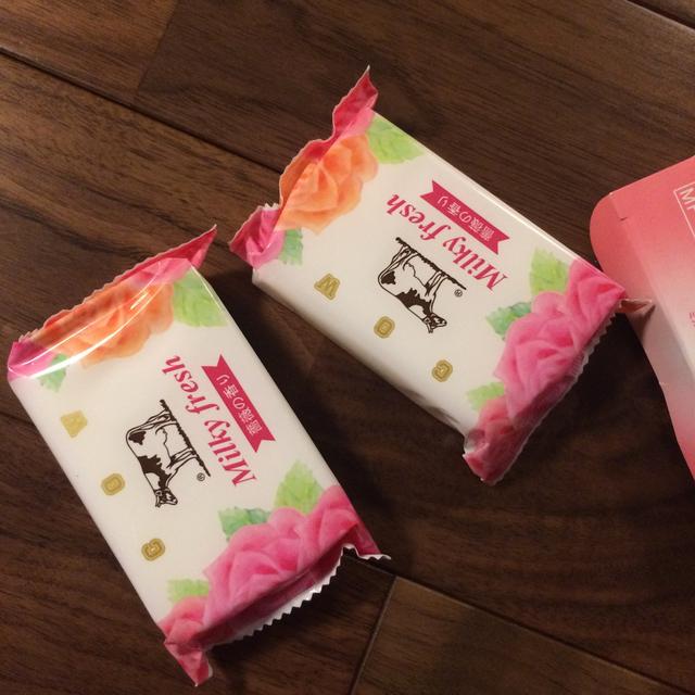 牛乳石鹸(ギュウニュウセッケン)の牛乳石鹸 薔薇の香り コスメ/美容のボディケア(ボディソープ/石鹸)の商品写真