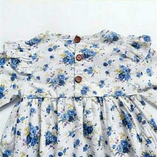 プチバトー(PETIT BATEAU)の春物♡送料込♡2色 可愛い花柄長袖ワンピース フリル肩ドレス♡ブルー♡100(ワンピース)