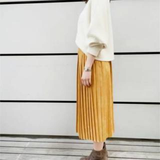 トゥモローランド(TOMORROWLAND)の【トゥモローランド】スエード調  プリーツスカート(ロングスカート)