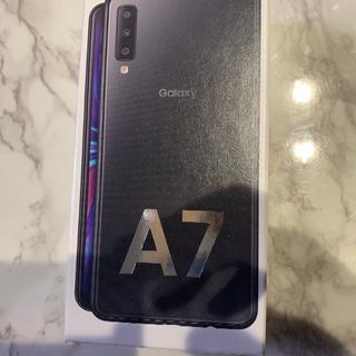 サムスン(SAMSUNG)の【新品】Galaxy A7 ブラック 楽天モバイル(スマートフォン本体)