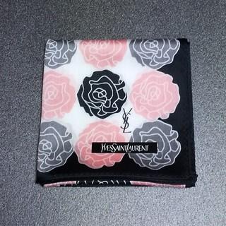 Saint Laurent - 新品 イヴサンローラン③ ハンカチ 濃いめの3色の薔薇柄