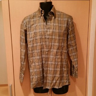 BURBERRY - バーバリーメンズシャツ M