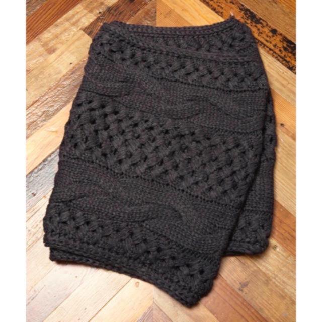 unrelaxing ケーブル編みニットスヌード レディースのファッション小物(スヌード)の商品写真