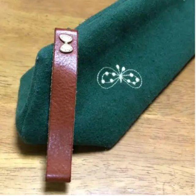 mina perhonen(ミナペルホネン)のミナペルホネン クォーツポーチ choucho グリーン レディースのファッション小物(ポーチ)の商品写真