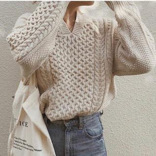 GU - GU ケーブルキーネックセーター