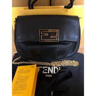 FENDI - 極美品 FENDI/フェンディ ブラック チェーンショルダー ラム