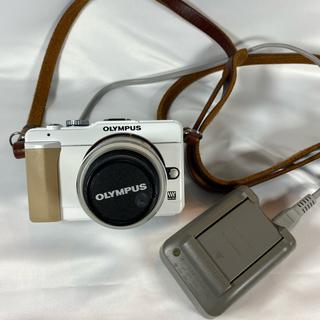 オリンパス(OLYMPUS)のオリンパス PEN E-PL1Sホワイト レンズキット(デジタル一眼)