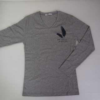 【新品】Vネック ワンポイント 長袖 グレー XL 羽 (T15)(T32)(Tシャツ/カットソー(七分/長袖))