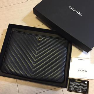 CHANEL - 美品 CHANEL キャビアスキン クラッチバッグ 黒 2017