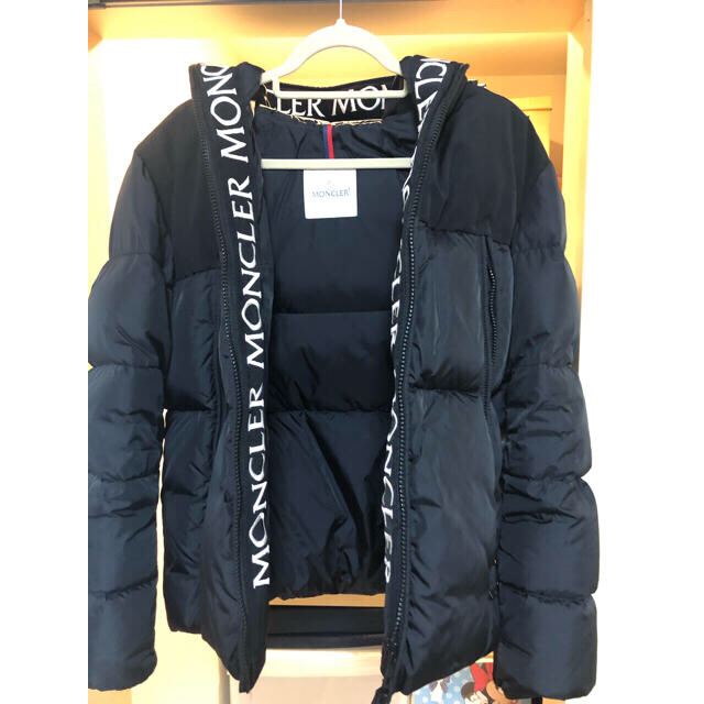 MONCLER(モンクレール)のモンクレール  モンクラー ダウン メンズのジャケット/アウター(ダウンジャケット)の商品写真