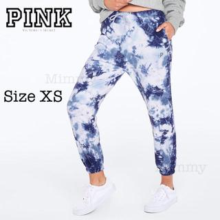 ヴィクトリアズシークレット(Victoria's Secret)のPINK♡プレミアム カレッジキャンパス パンツ♡ブルータイダイ(カジュアルパンツ)