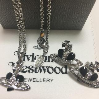 Vivienne Westwood - ヴィヴィアンウエストウット黒ハートネックレスとピアス新品