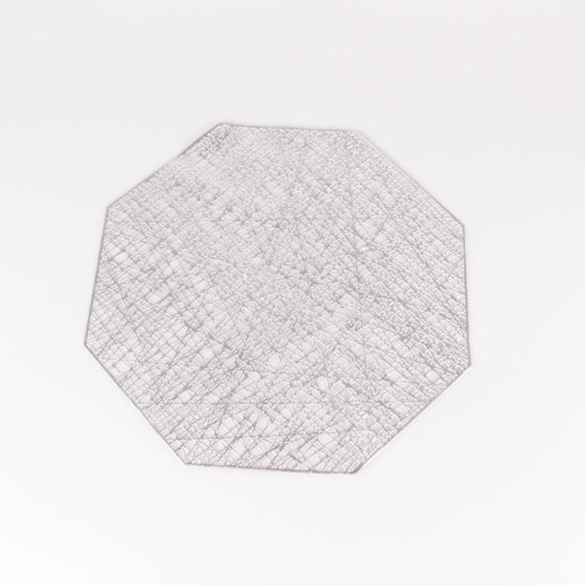 Francfranc(フランフラン)のオシャレなランチョンマット【金、銀】2色 インテリア/住まい/日用品のキッチン/食器(テーブル用品)の商品写真