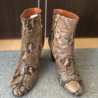 アパルトモンドゥーズィエムクラス(L'Appartement DEUXIEME CLASSE)のMICHEL VIVIEN 9cm HEEL SHORT BOOTS(ブーツ)