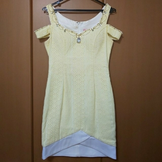 Sobre 黄 オフショルミニドレス(ナイトドレス)
