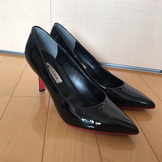 DIANA - 美品 DIANA ダイアナ パンプス エナメル 黒 ブラック 23.5cm