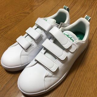 アディダス(adidas)のadidas(ホワイト/グリーン)【Men's/26.0/新品】1/31迄(スニーカー)