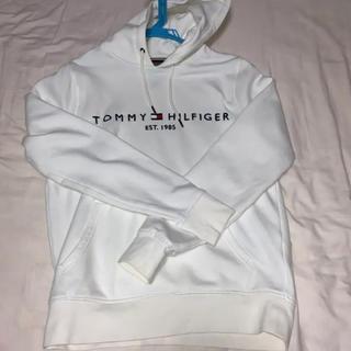 トミーヒルフィガー(TOMMY HILFIGER)のTOMMY HILFIGER 白パーカー(パーカー)