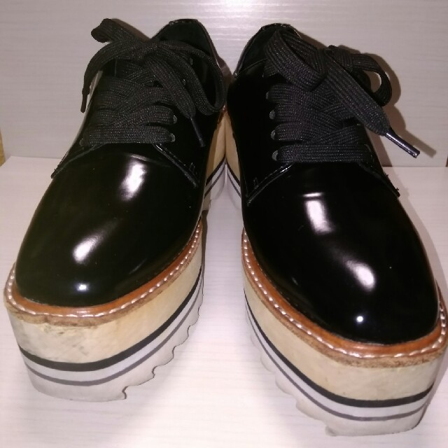 JEFFREY CAMPBELL(ジェフリーキャンベル)のジェフリーキャンベル シャークソール厚底レースアップシューズ レディースの靴/シューズ(ローファー/革靴)の商品写真